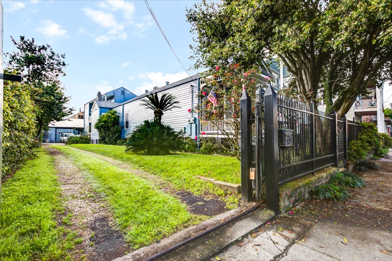 Lower Garden District, Apartment, 1 beds, 1.0 baths, $1800 per month New Orleans Rental - devie image_0